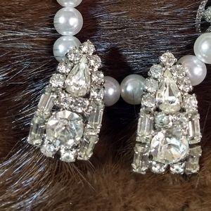 Beautiful Vintage clip rhinestone earrings